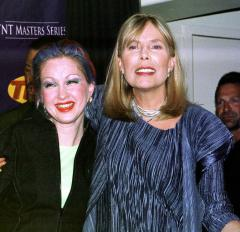 Joni Mitchell honored at Toronto tribute concert