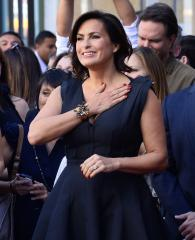 Mariska Hargitay joins Detroit prosecutor in fight against rape kit backlog