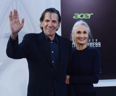 Leonard Nimoy says he is suffering from chronic lung disease