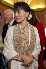 In Sydney, Aung San Suu Kyi discusses democracy struggles