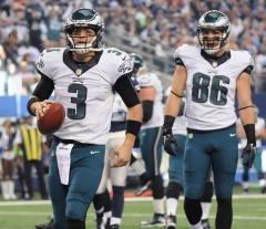 Eagles crush Cowboys to grab NFC East lead