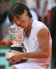 Schiavone, Li play for French Open title