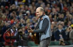 James Taylor botches national anthem at World Series
