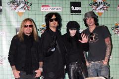Rocker Vince Neil treated for kidney stones in Australia