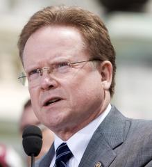 Drilling bill puts Sen. Webb, Dems at odds