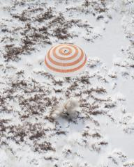 Soyuz landing ends space station mission