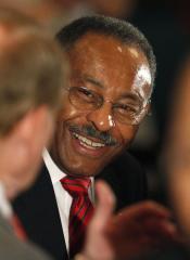White House: Burris should mull future