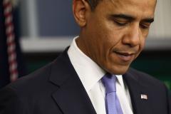 Obama sets off White House metal detector