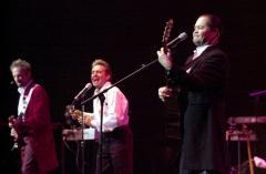 Monkees announce 10-date concert tour