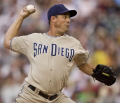 Maddux, 355 wins, retires from baseball