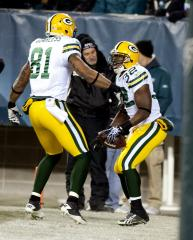 Packers bring back Neal, Quarless