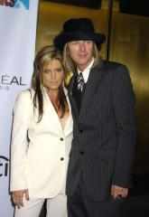 Lisa Marie Presley pregnant with twins