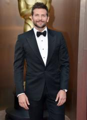 Bradley Cooper, Sienna Miller to star in 'Chef'