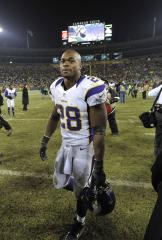 Vikings' Adrian Peterson issues statement on decision to play