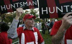 Poll shows Gingrich, Huntsman on upswing