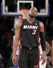 Dwayne Wade scores 24 points in return after injury
