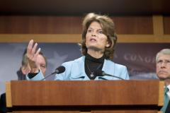 Murkowski keeps lead in Alaska