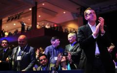 Romney vows Social Security, Medicare cuts