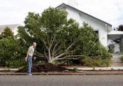 Disaster aid bill clears procedural hurdle
