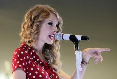 'Speak' is No. 1 on the U.S. album chart