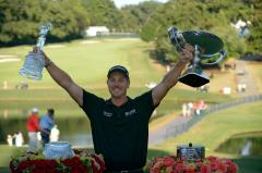 Stenson wins DP World Tour Championship going away
