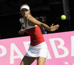 Sharapova, newly No. 1, wins in Rome