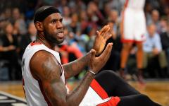 LeBron James yells at Mario Chalmers during a timeout [VIDEO]