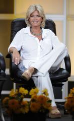 Meredith Baxter marries Nancy Locke