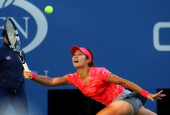Li unbeaten in group play at WTA Championships