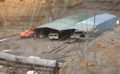 Explosion at Chinese mine traps 25 miners