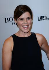 Neve Campbell signs with Paradigm