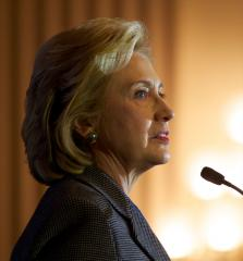 Hillary Clinton likens Vladimir Putin's actions in Ukraine to Adolf Hitler