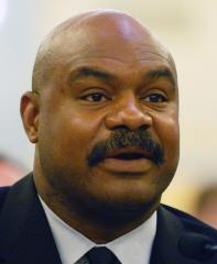 Dave Duerson's family sues NFL