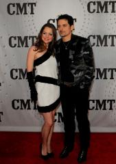 Kimberly Williams-Paisley says she trusts husband Brad Paisley