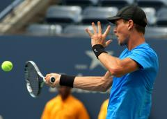Berdych wins ATP stop in Rotterdam