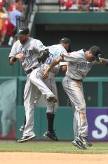 MLB: Toronto 6, Philadelphia 5 (10 inn.)