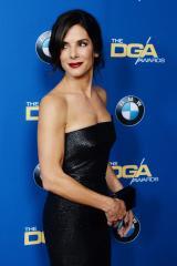 Sandra Bullock tears up during Jay Leno's penultimate 'Tonight Show'