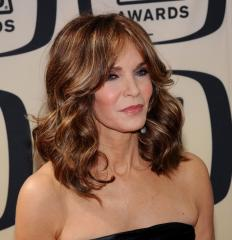 Jaclyn Smith breaks down over Farrah Fawcett's death