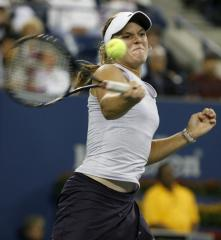 U.S. has 2-0 lead over France at Fed Cup