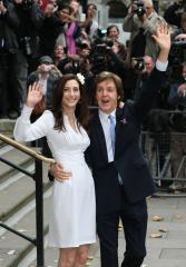 McCartney and new wife celebrate in NYC
