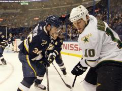 Stars deal captain Morrow to Penguins
