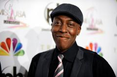 Arsenio Hall tears up remembering Whitney Houston [VIDEO]