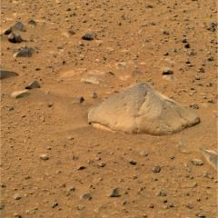Mars rover Spirit still stuck in sand