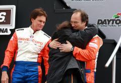 Danica Patrick crashes in NASCAR debut