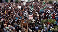 Syria frees 500 pro-democracy prisoners