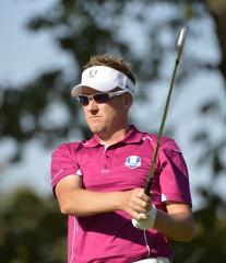 Poulter comes from behind for WGC win