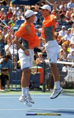 Bryans reach Australian Open doubles final