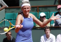 Makarova, Azarenka make Eastbourne finals
