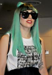 Gaga, Gomez to highlight MTV video gala