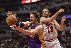 Pau Gasol calls Lakers teammates selfish and rips coach Mike D'Antoni